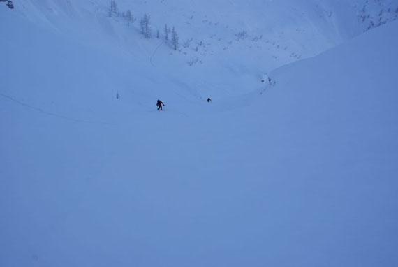 Aufstieg ins Kar unterhalb der Mosesscharte (im Dezember 2008 ist diese 2. Schlucht komplett mit Schnee gefüllt)