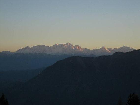 Mit den letzten Sonnenstrahlen noch ein Blick in die Julischen Alpen