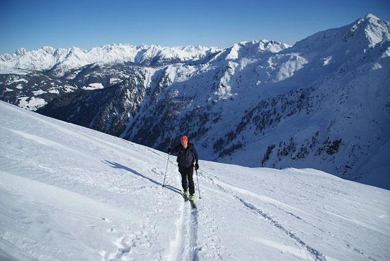 Aufstieg im oberen Bereich, im Hintergrund die Lienzer Dolomiten