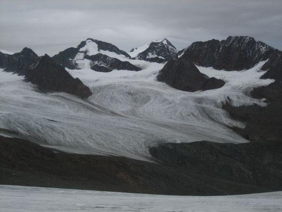 Nach Nordosten hin zeigt sich die Wildspitze