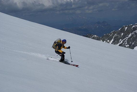 Abfahrt am Gletscher, oben hui unten pfui