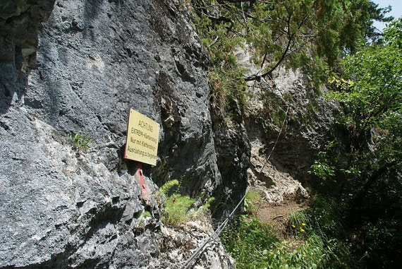 Beim Beginn des Extrem-Klettersteigs
