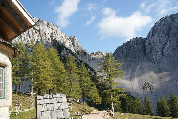 Bei der Klagenfurter Hütte: der Blick zurück hinauf zum Bielschitzasattel