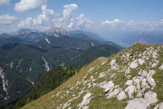 Abstieg über den Westrücken, den Gartnerkofel und Roßkofel ständig im Blickfeld