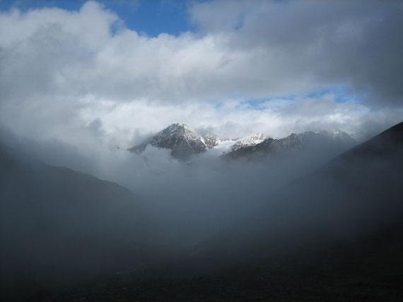 Der Blick zurück nach Osten auf die Talleitspitze (3408m)