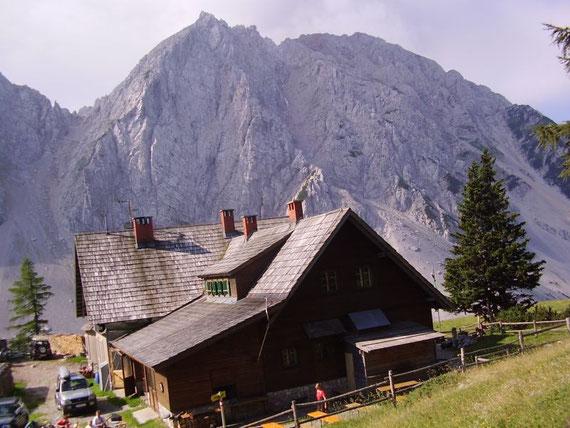 Schon bei der Klagenfurter Hütte mit dem Hochstuhl im Hintergrund (leider etwas schief)