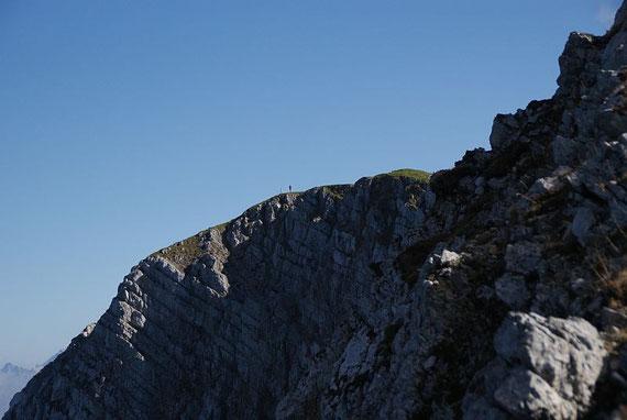Der Weinasch vom Grat aus aufgenommen, der Unterschied zwischen der lieblichen Südseite und den schroffen Nordwänden ist faszinierend