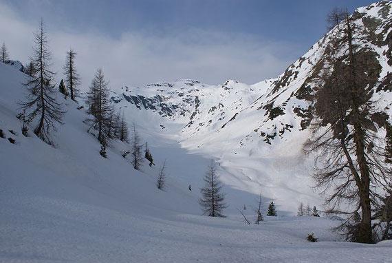 Tresdorfer Wölla, der Aufstieg führt durch dieses schöne Hochtal und zieht dann im hintersten Teil nach links hinauf