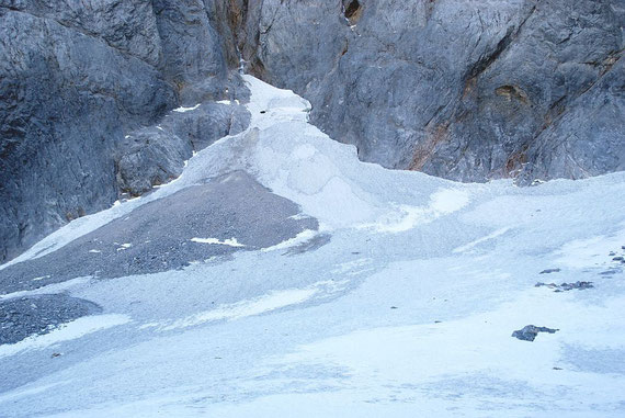 """Der höchste Gletscherteil mit der angedeuteten Firnspalte im """"Spitz"""""""
