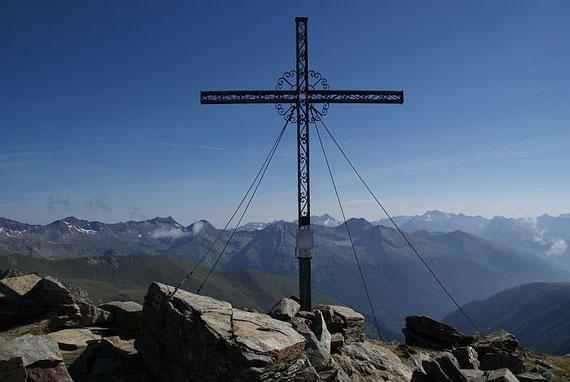 Das schöne Gipfelkreuz am Sadnig