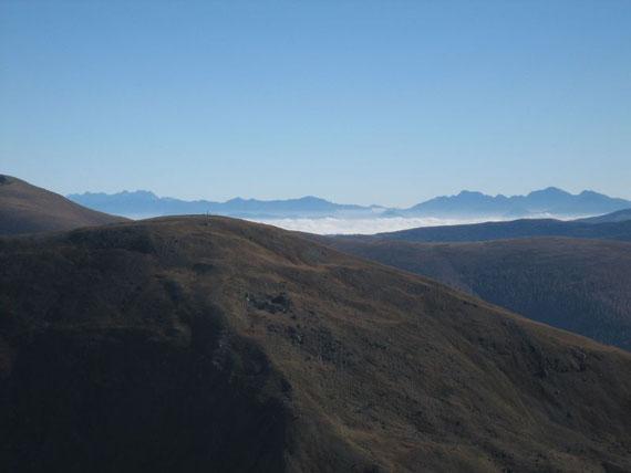 Der Blick ins Tal war ein einziger Genuss! Hier im Hintergrund die Julischen Alpen mit  Wischberg und Montasch