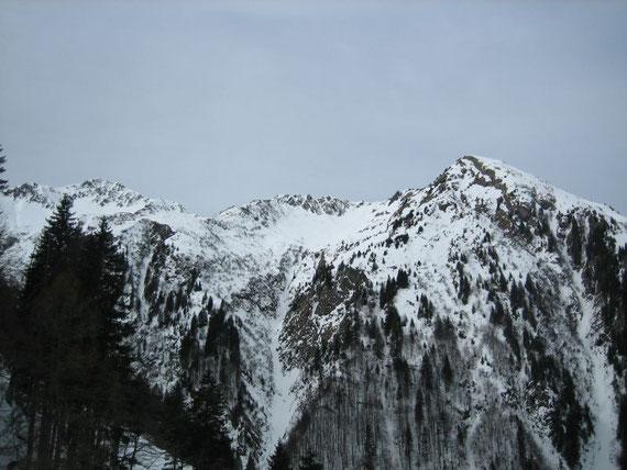 Der Blick nach Westen während des Aufstiegs auf den Köderkopf (2167m)
