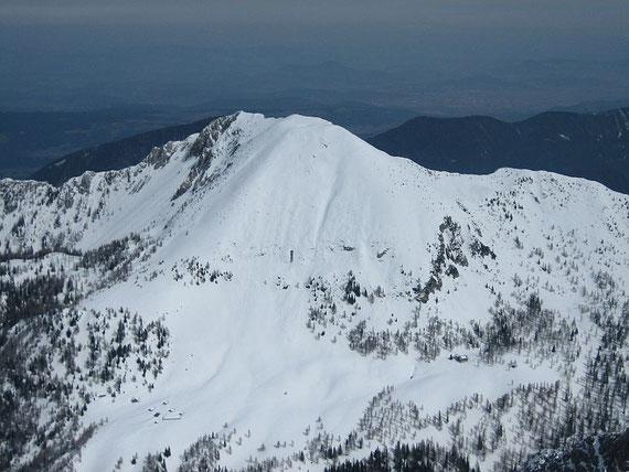 Der Kosiak (2024m), dessen steile Südflanke nur bei sichersten Verhältnissen zu befahren ist