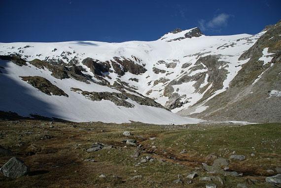 Der Talschluss, heuer liegt im Vergleich zu den letzten Jahren sehr wenig Schnee