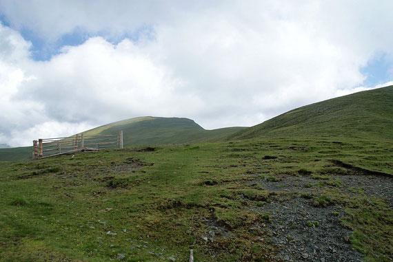 Vom Sattel zwischen Langnock und Großleobeneck der Blick Richtung Großleobeneck