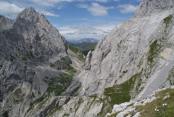Steilstufe hinunter Richtung Wolayer Pass