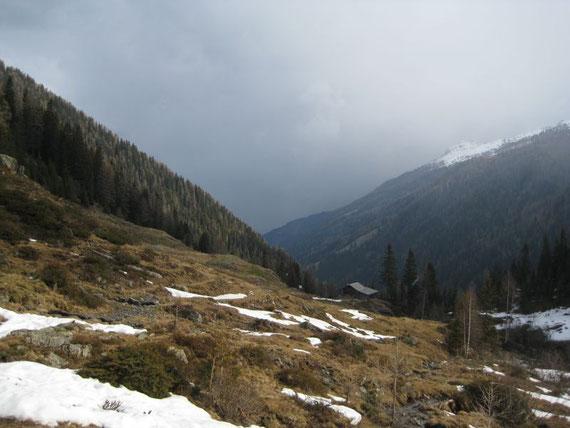 Bis zu den Oberen Gößnitzer Hütten heißt es am 5.5.2008 die Schier tragen