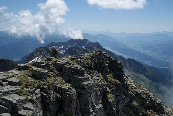 Blick zum Ostrgrat, im Hintergrund das Gmeineck