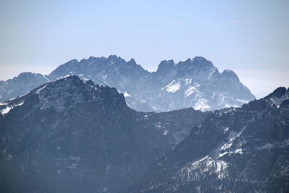 """Die ebenfalls """"erschreckend"""" schneearmen Riesen der Karnischen Alpen"""