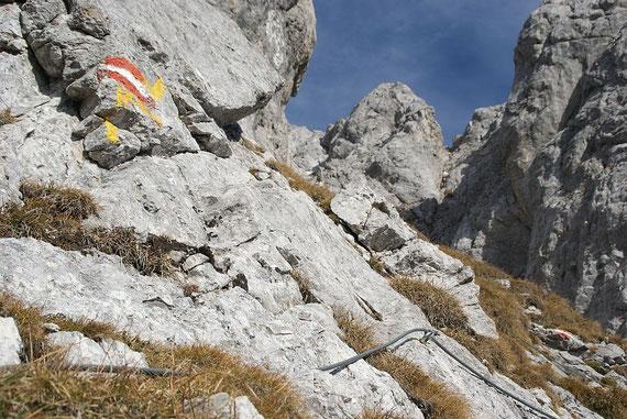 """Kurze Versicherung beim Aufstieg über die Route """"Hochfleck"""""""