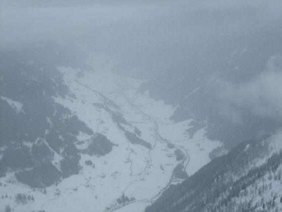 Der Blick hinunter vom Gipfel nach Innervillgraten
