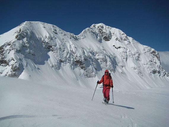 Am Gipfel der Kredarica, der Triglav bildet einfach eine herrliche Kulisse