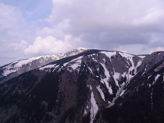 Der Blick nach Norden auf den Schneeberg