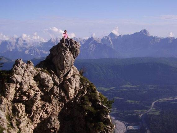 Beim Aufstieg über den Jägersteig mit Blick in die Julischen Alpen