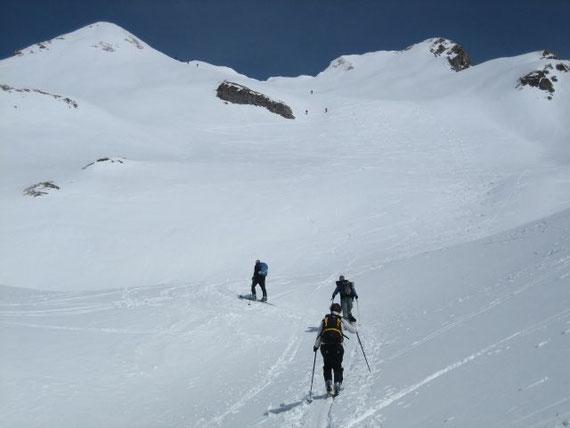 Die Gipfelflanke mit dem östlichen und westlichen Rauchkofel