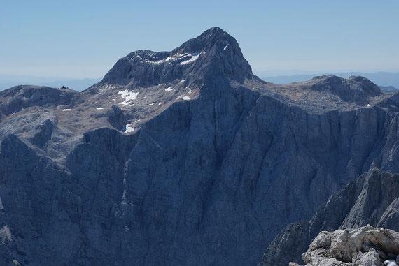 Der Triglav belgeliet den Bergsteiger über weite Strecken