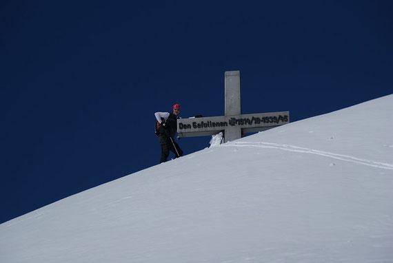 Der Gipfel ist erreicht, hier liegt auch im Winter 2010/11 viel Schnee