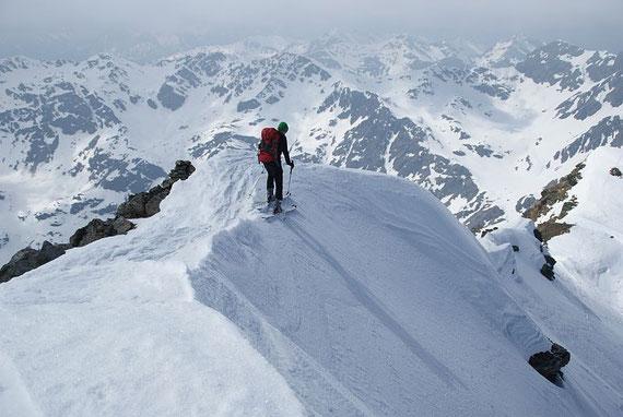 Abfahrt in die Gipfelrinne; 17.4.2011