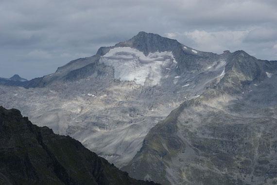 Vom Gipfel des Reißeck ist die Hochalmspitze zum Greifen nah