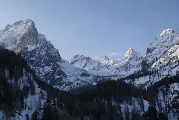 Blick von der Lienzer Dolomiten Hütte hinein nach Süden
