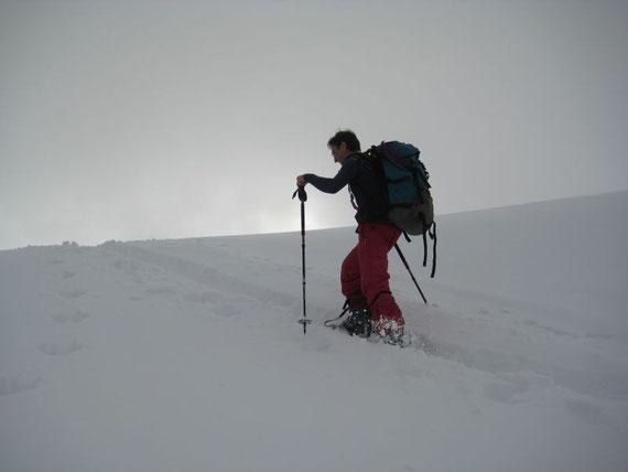 Die letzten Meter hinauf zur ehemaligen Bergstation des Sessellifts