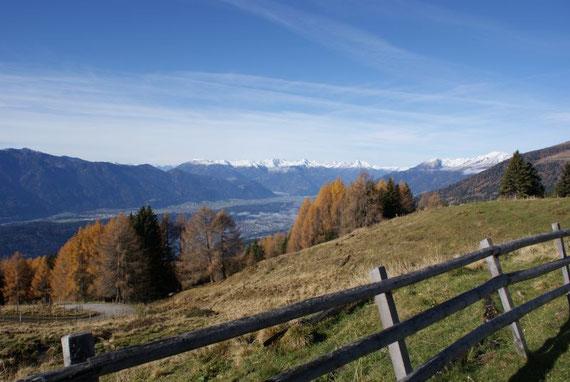 Blick von der Lammersdorfer Hütte in die Kreuzeckgruppe