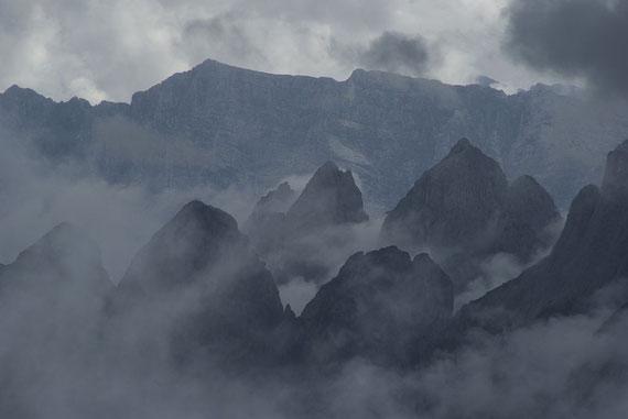 Mystischer Blick nach Südosten unter anderem zur Vetta Bella