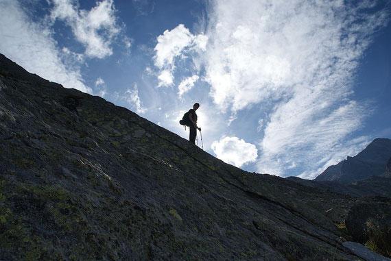 Wieder beim Abstieg über die blanken Felsen