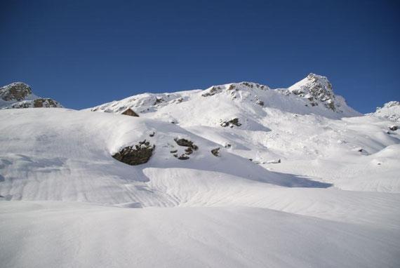 Der Giebel der Ochsenhütte, rechts ist noch nicht der Gipfel zu erkennen!