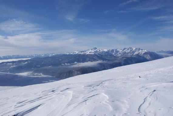 Im Westen grüßen die höchsten Gipfel der Julischen Alpen