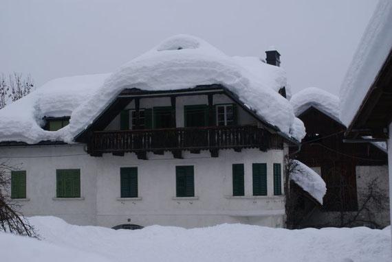 Schon bei der Anfahrt zeigt sich, dass dieser Winter in Oberkärnten gewaltig viel Schnee gebracht hat, hier ein Bild aus Mauthen