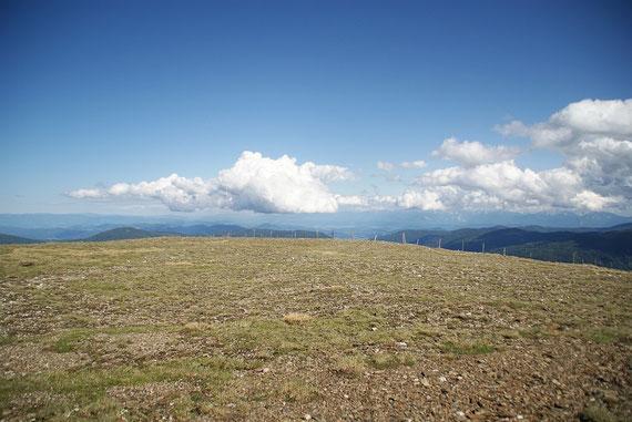 Der Blick nach Osten ins Klagenfurter Becken