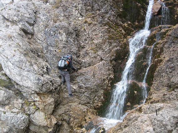 Beim ersten Wasserfall