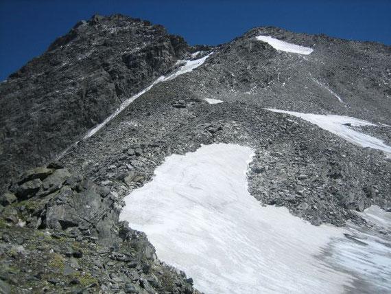 Der Anstieg auf den Ankogel, rechts im Bild der Kleine Ankogel, aufgenommen von der Radeckscharte