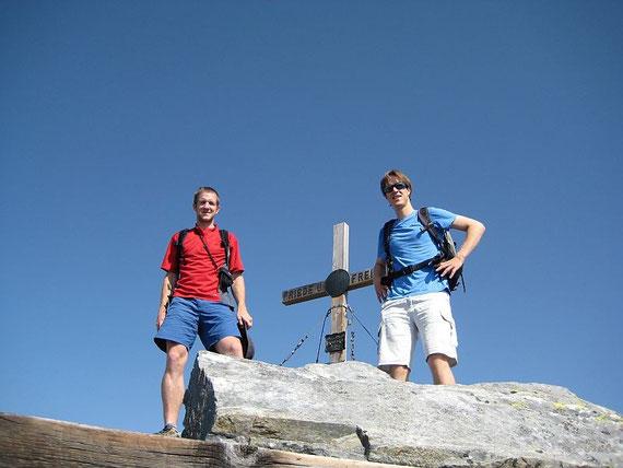 Noch ein Gipfelfoto dann geht es wieder zurück ins Tal