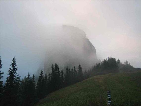 Die Frauenmauer umhüllt von Nebel