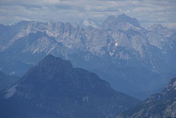 Die Dolomiten grüßen, im Hintergrund die Marmolata