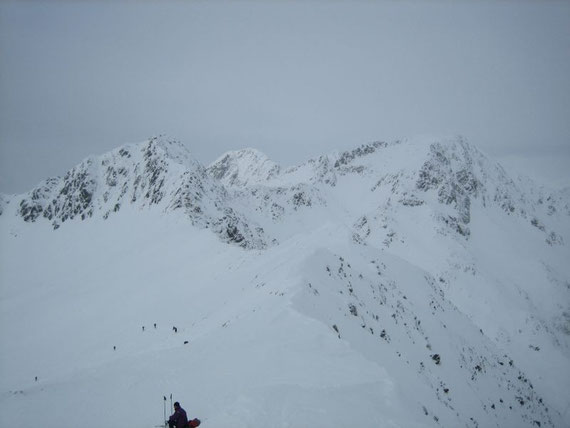 Hier der Blick nach Nordwesten auf den Rollahner (2743m, rechts im Bild)