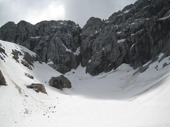 Auch in der Zunge liegt im Frühsommer 2008 noch viel Schnee