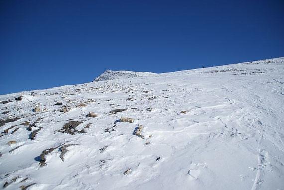 Der flache Gipfelrücken